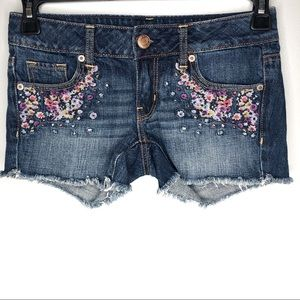 American Eagle floral embroidered raw hem shorts